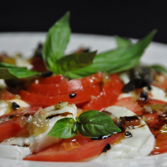 Salade tomate mozarella di buffala  plat