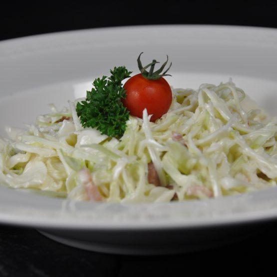 salade de chou blanc plat