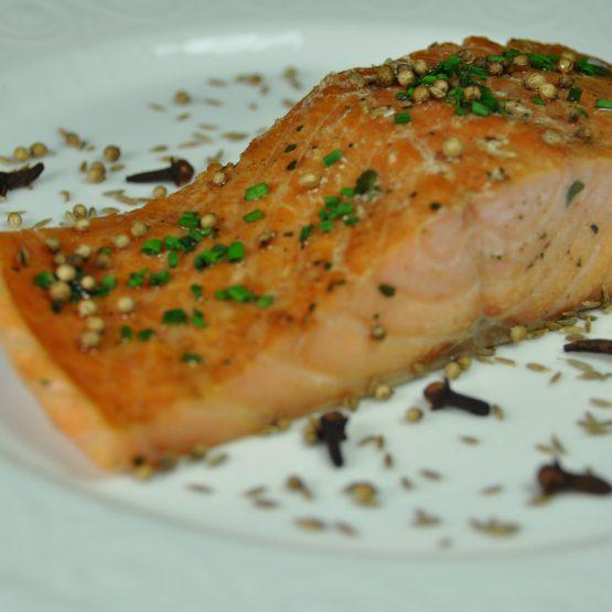 filet de saumon aux deux cuissons  plat